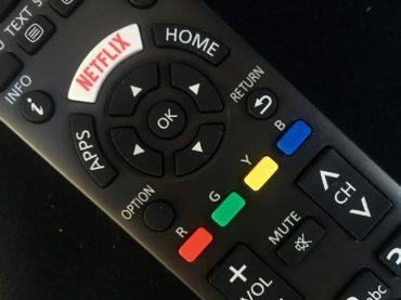 Netflix (NFLX) hits $100 billion market cap